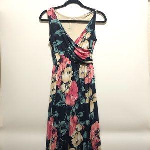 Gilli Floral Rose Maxi Dress Size Medium